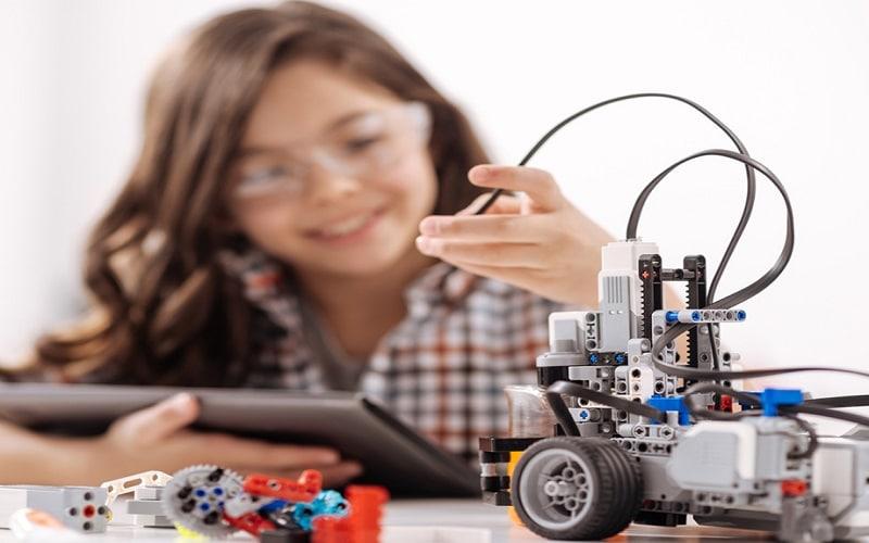 Monitor de Robótica Paso a paso de una clase de robótica básica y hoja de actividades I
