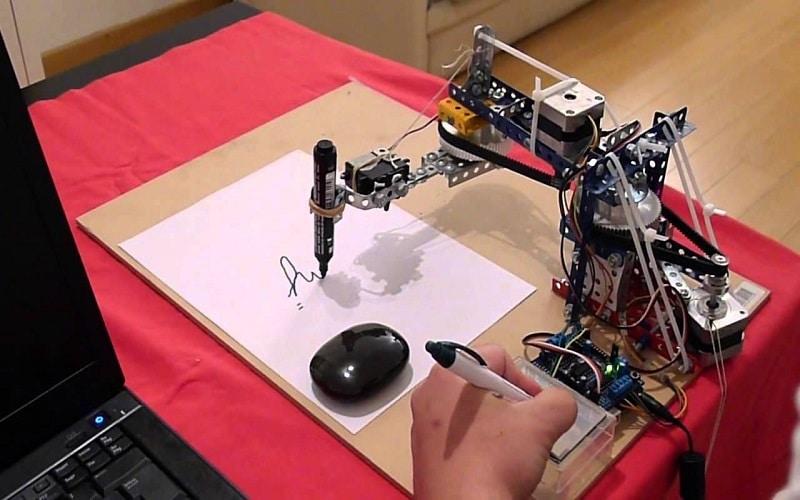 Monitor de Robótica Paso a paso de una clase de robótica básica y hoja de actividades