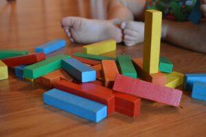 Juguetes para Montessori en casa